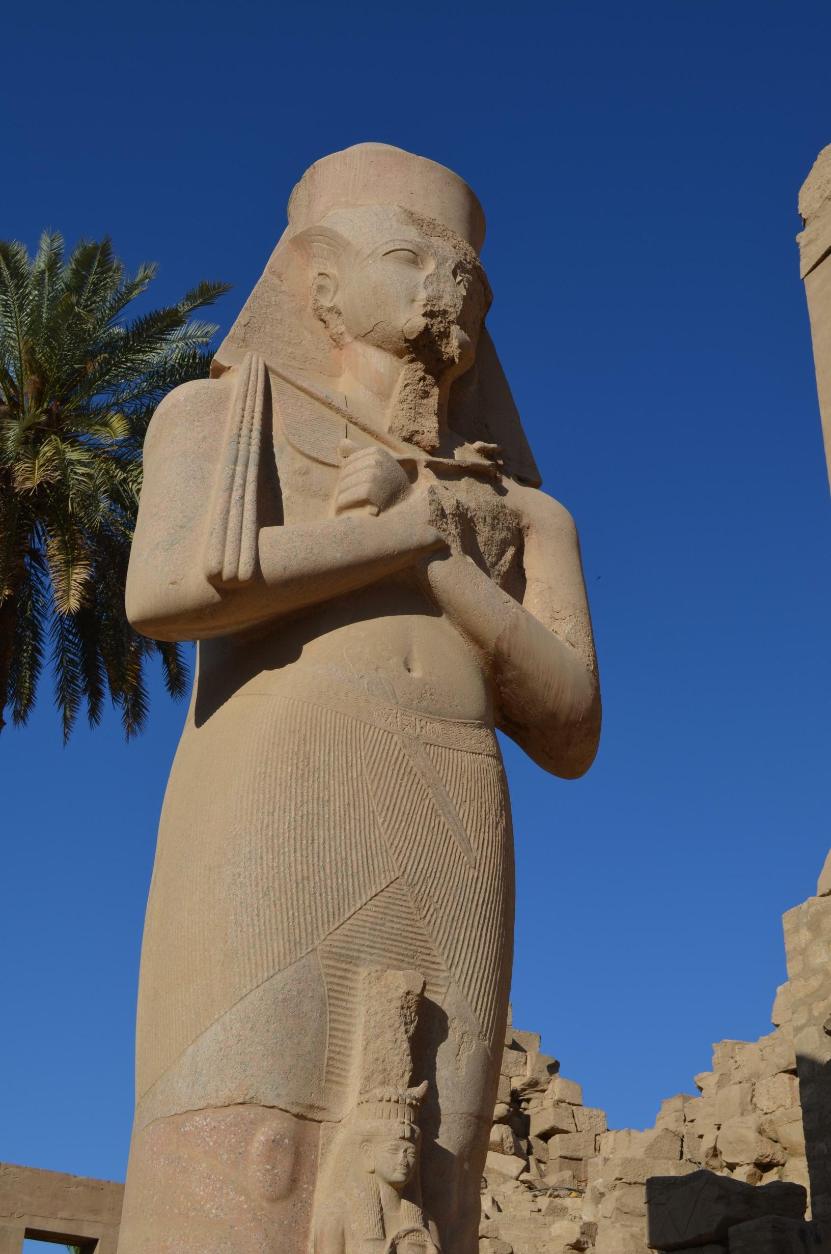 egyptstatue