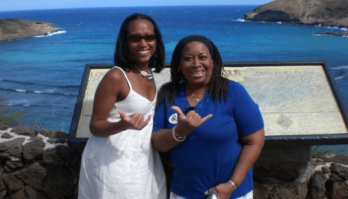 """Hang Loose""-With My Mother in Oahu Hawaii!"