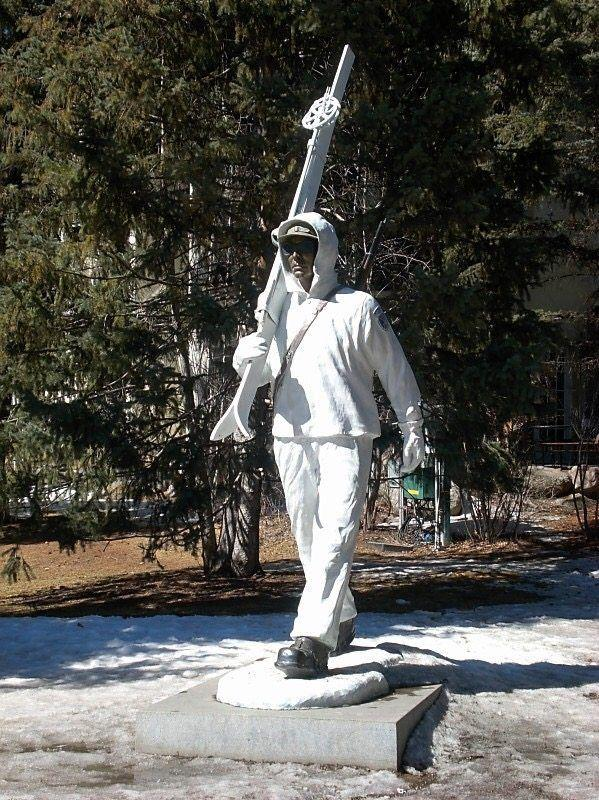 A stature of a skier in Vail Colorado