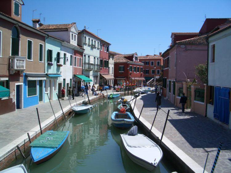 The 5 Most Romantic Cities in the World! The Island of Burano near Venice, Italy!