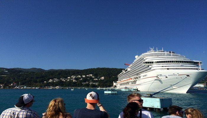 Cruising the Caribbean Sea on Carnival Breeze! Read a cruisers review of this ship and tours in Jamaica and Grand Cayman!