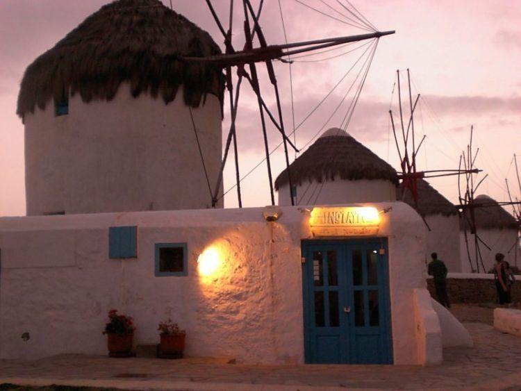 48 hours in Mykonos, things to do in mykonos, things to see mykonos, best restaurants mykonos, travel tips mykonos, windmills mykonos