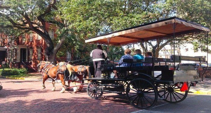 Top 6 Atlanta Road Trip Ideas! Take a carriage ride in Savannah, go to the beach on Hilton Head Island and visit a blues bar in Nashville!