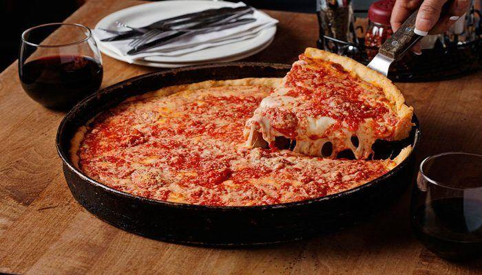 Top 5 Restaurant Picks: Chicago Eats! If you live in Chicago or planning a trip there, make sure to try one of these restaurants and dishes including the famous Chicago deep dish pizza! This post is written by a travel and food blogger originally from Chicago!