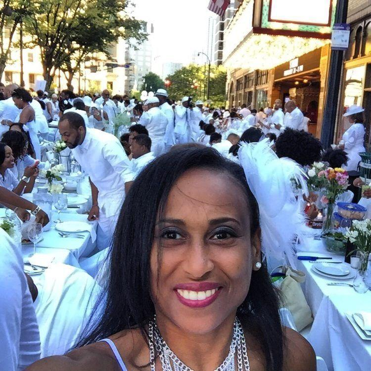 The Diner En Blanc Guide for First-Timers! Everything you need to know to attend this unique & magical event and have a blast!