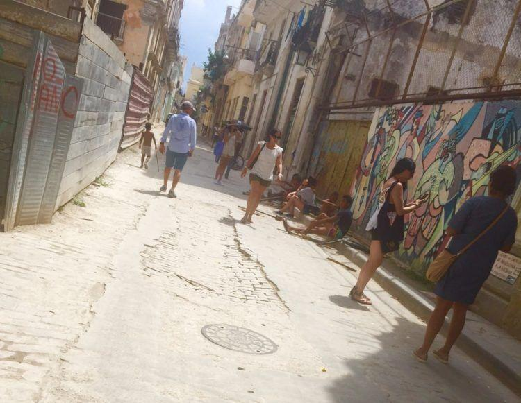 US travel to Cuba, can americans travel to cuba, cuba travel guide, An American's Travel Guide for Cuba! Getting there, accommodations, cuban food, sightseeing and so much more!