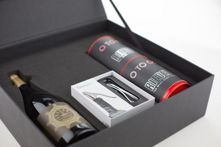 Holiday Gift Guide for Wine Lovers!