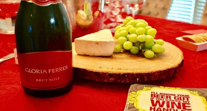 Girls Night In with Gloria Ferrer Champagne! Read all bout this delicious brand of sparking wine from Sonoma County California!