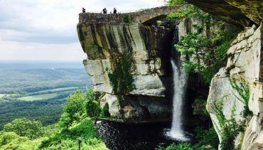 24 Hours in Chattanooga Tennessee!! Visit Rocky City, Lover's Leap, Ruby Falls, the Tennessee Aquarium and much more!