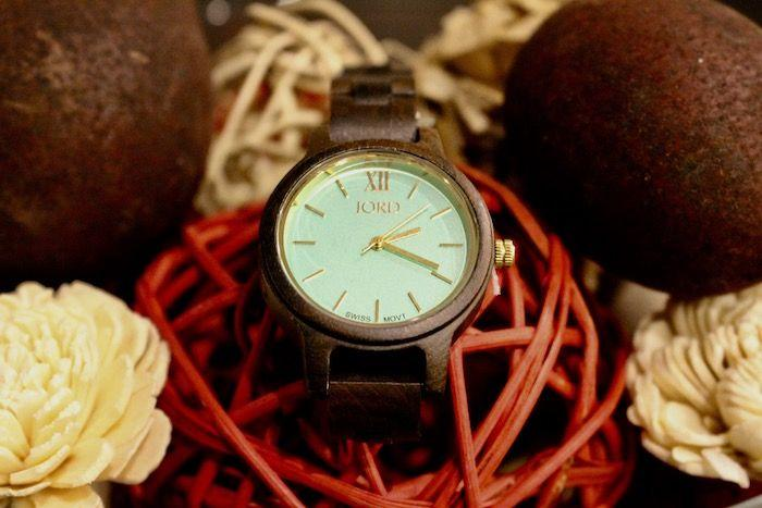 A Jord Wood Watch makes the perfect Holiday Gift! Read my review here!