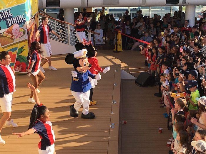 Disney Cruise Line for Adults, Disney Cruises without kids, Disney Dream Cruise, disney cruise for adults, disney cruise line, disney dream, Social media moms celebration, Cruise tips, Disney Cruise tips