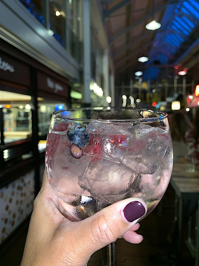 This floral gin & tonic cocktail